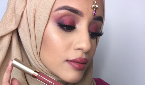 Beauty blogger Safiyah Tasneem announces update